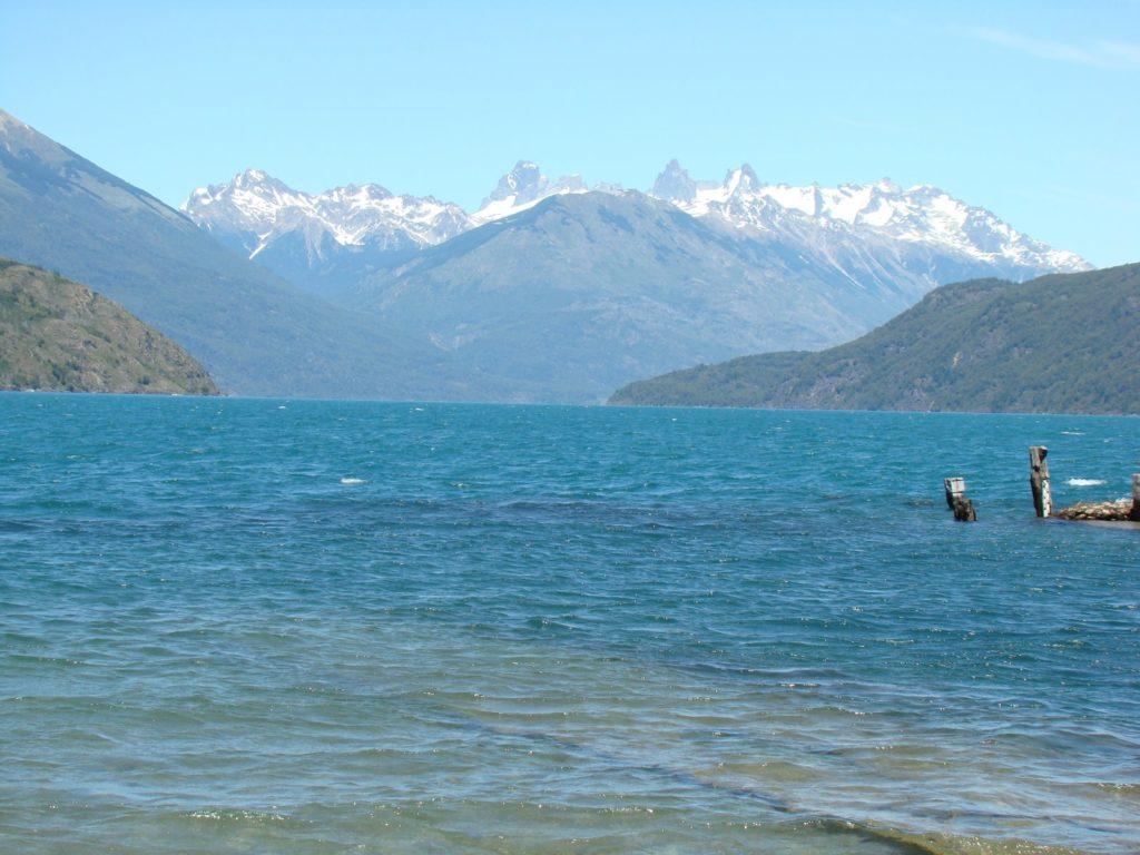 El-Bolsón-Lago-Puelo-Argentina