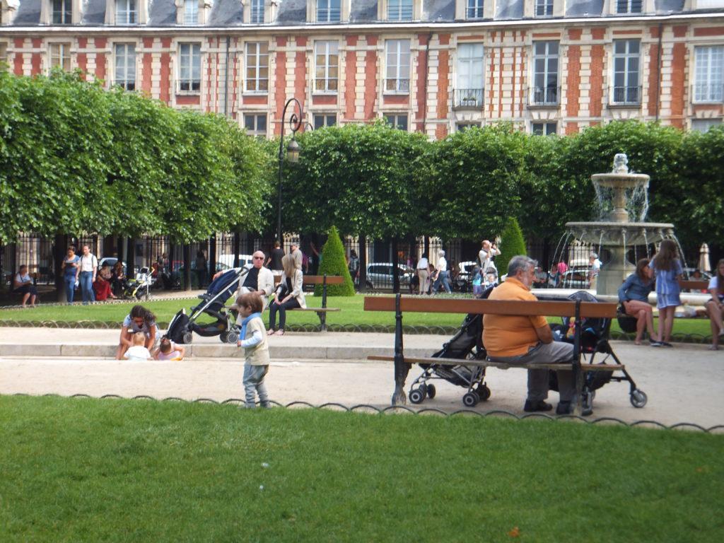 Place de Vosges, París, Elisa N Diseño de Viajes