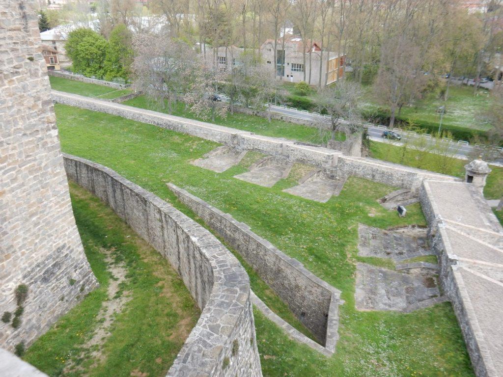 Muralla, Parque de la Vuelta del Castillo, Pamplona, Navarra, Elisa N, Blog de Viajes, Lifestyle, Travel
