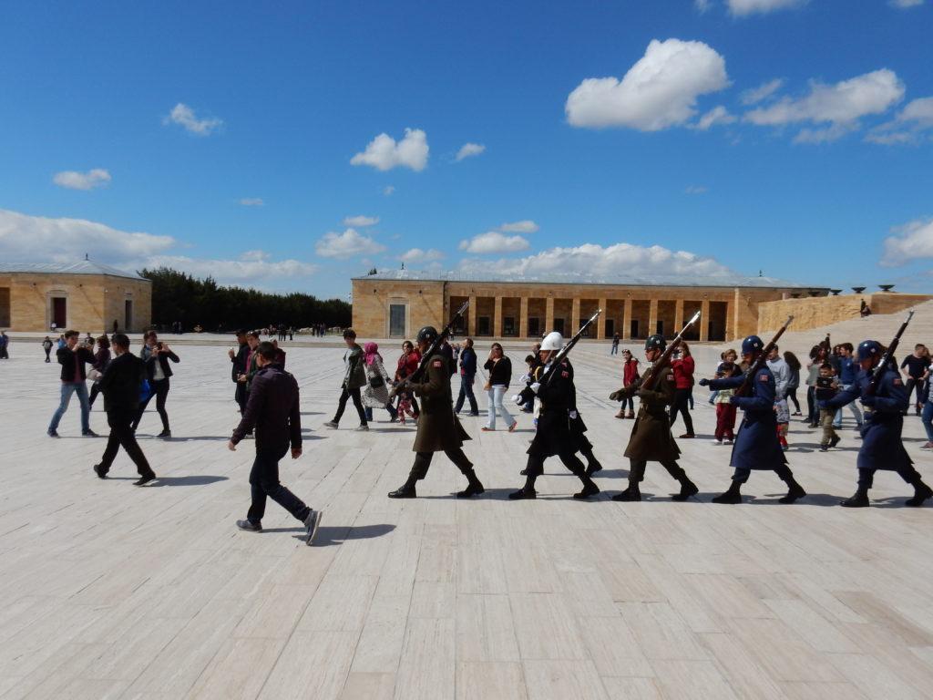Cambio de guardia, mausoleo de Atatürk en Ankara