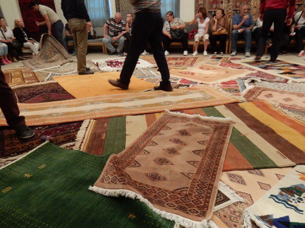 Visita a una fábrica de alfombras en Capadocia, Turquía