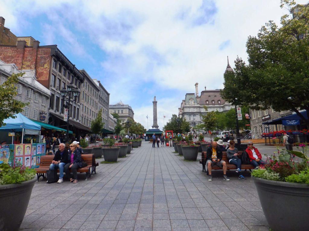 Qué ver en Montréal, Place Jacques-Cartier