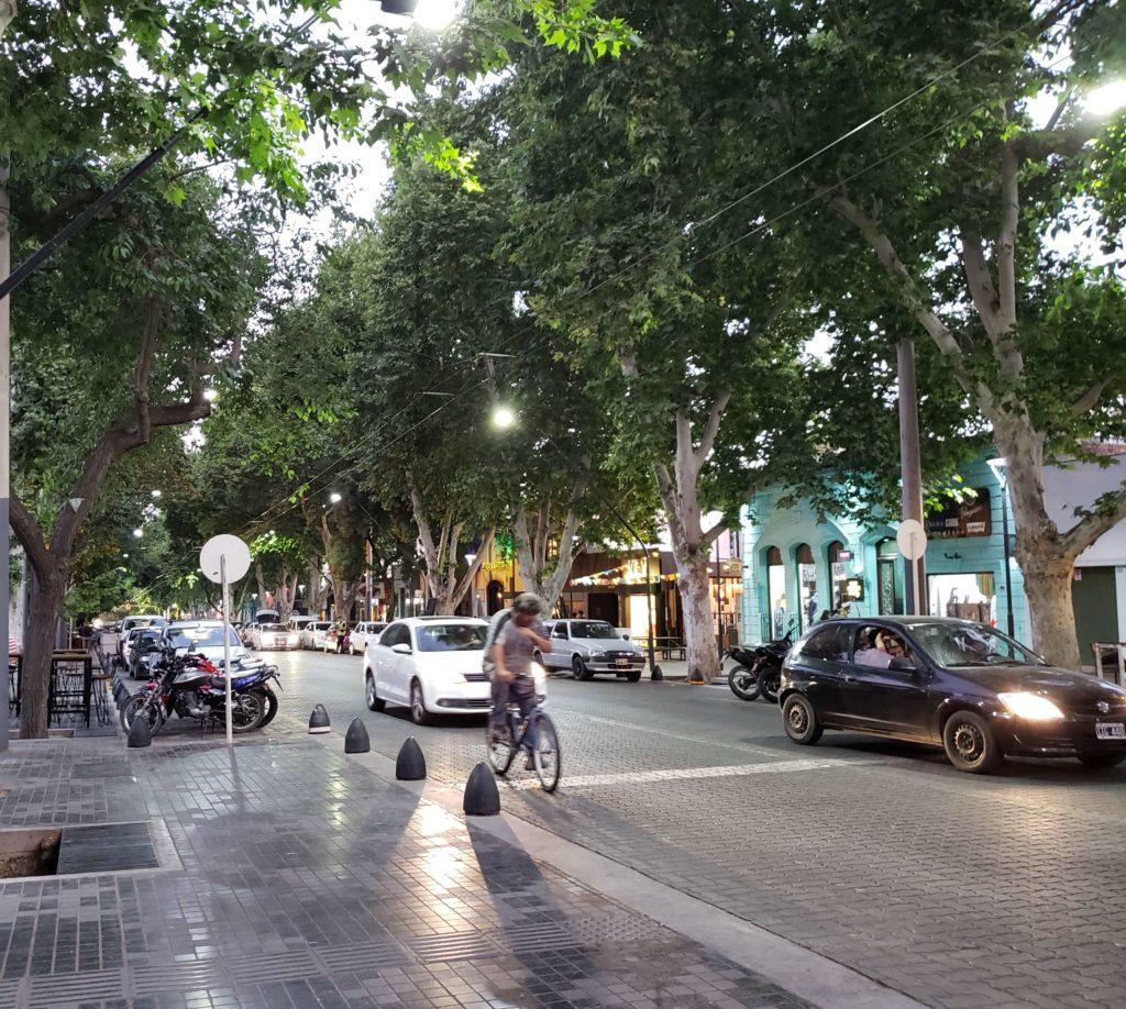 Baldozas lustradas, ciudad de Mendoza