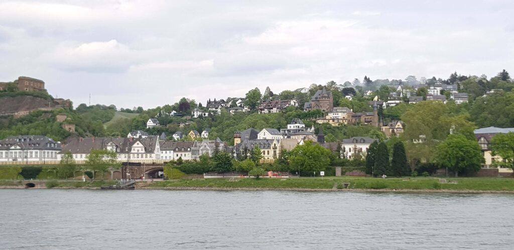 Rheinanlagen, Paseo sobre el Rin, Coblenza, Alemania