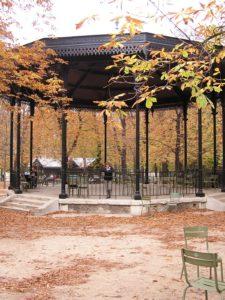 Lee más sobre el artículo Kiosco en los Jardines de Luxemburgo, en París