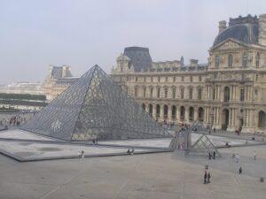 Visita al Museo del Louvre, en París