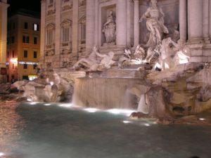 Fontana de Trevi, una noche