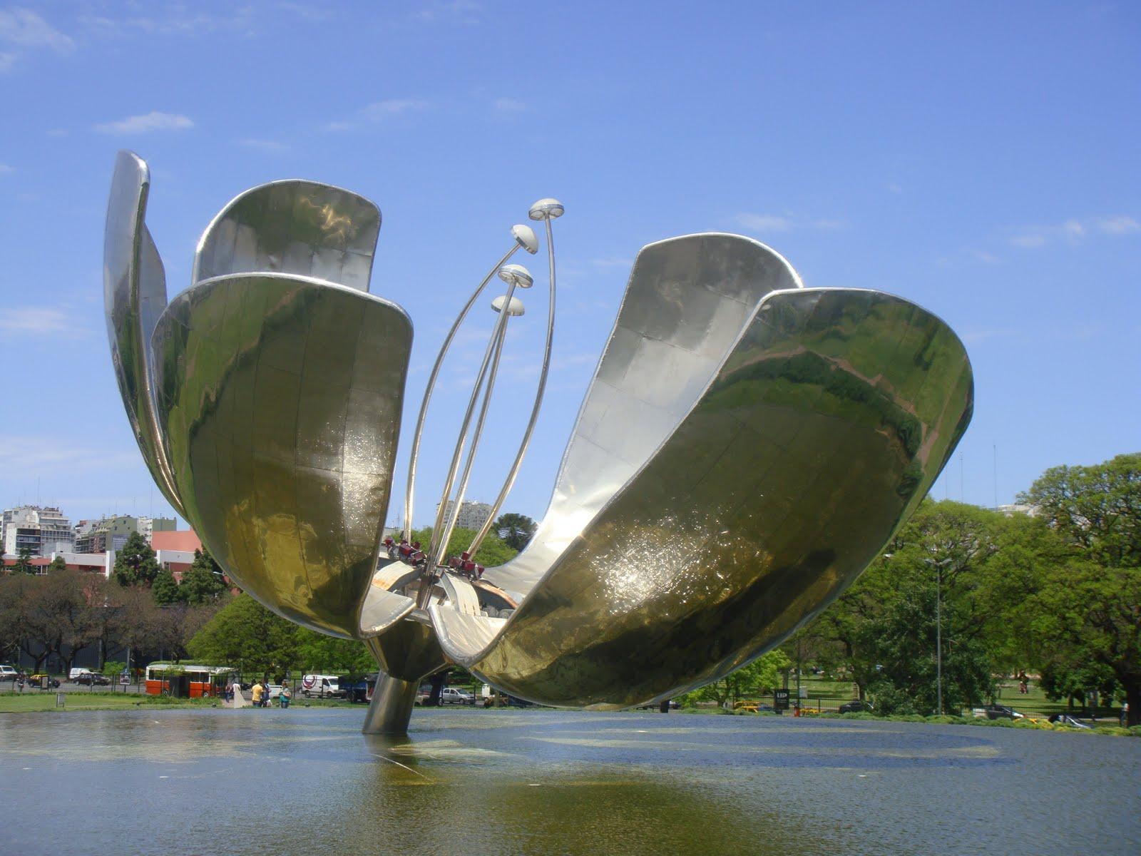 Floralis Genérica, monumento animado en Buenos Aires