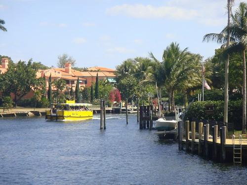 Tour por los canales de la «Venecia Americana»