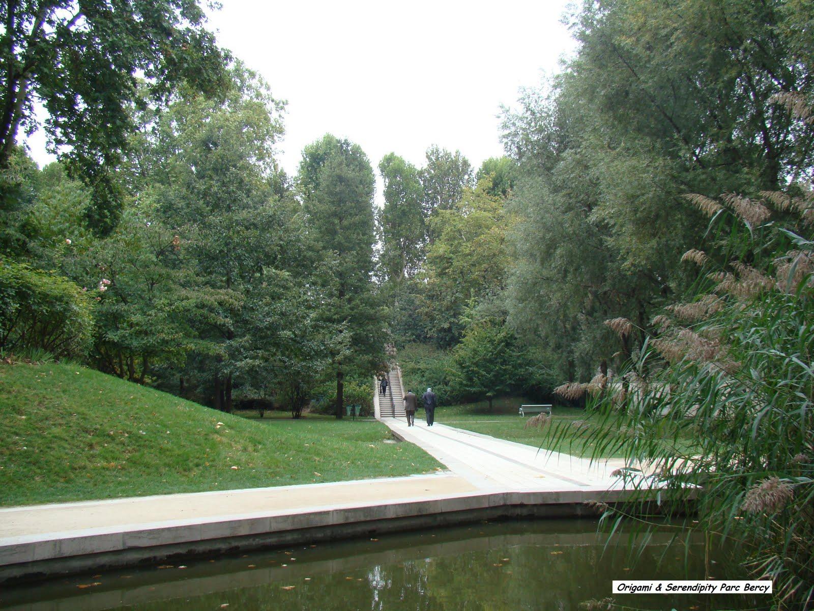 En este momento estás viendo Caminando por el Parque Bercy París