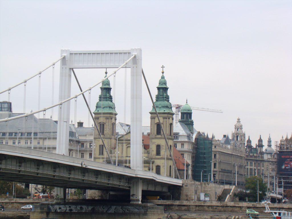 Erzsébet híd, Puente Elisabeth, Budapest, Elisa N Blog de Diseño de Viajes