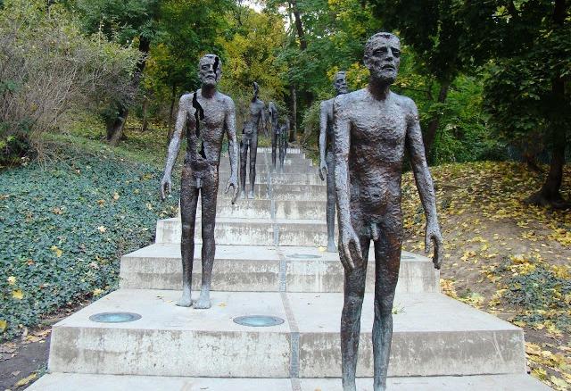 En este momento estás viendo Memorial a las víctimas del comunismo en Praga