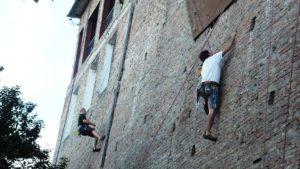 Lee más sobre el artículo Alpinismo urbano en el Club Mitre