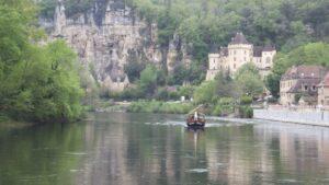 Lee más sobre el artículo La Roque-Gageac, pueblo colgado de la montaña