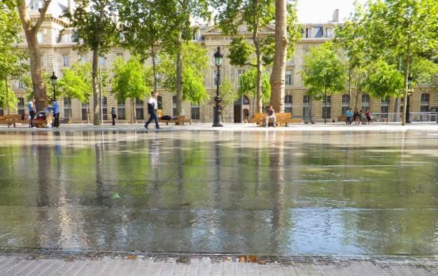 Un día, Place de la République