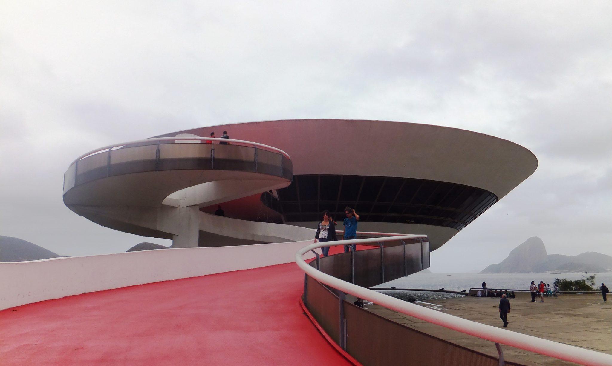 MAC de Niterói, arte moderno y arquitectura