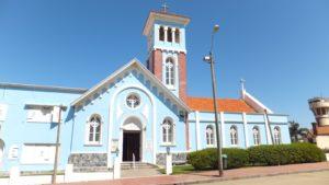 Lee más sobre el artículo Iglesia de La Candelaria, una joya a orillas del mar en Punta del Este