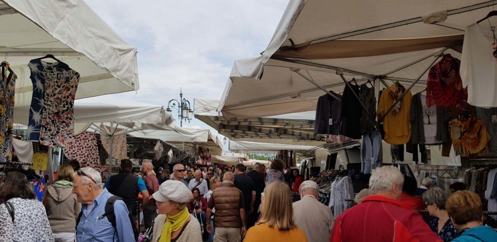 Mercado, Riva del Garda, Italia, Elisa N Diseño de Viajes