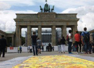 Lee más sobre el artículo Ante de la Puerta de Brandeburgo en la Pariser Platz