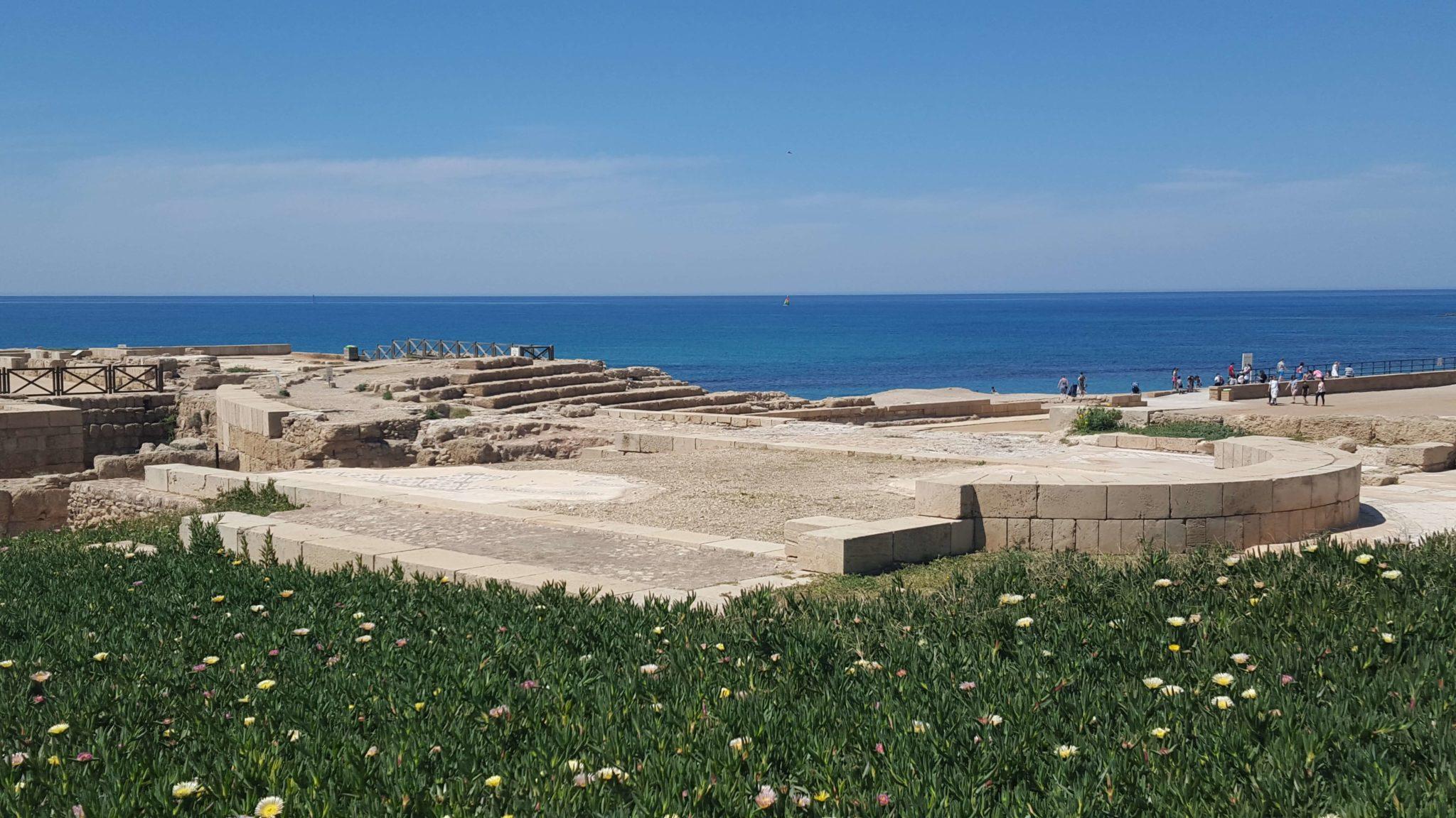 Paseando por Cesarea Marítima, entre las huellas de Roma en Israel