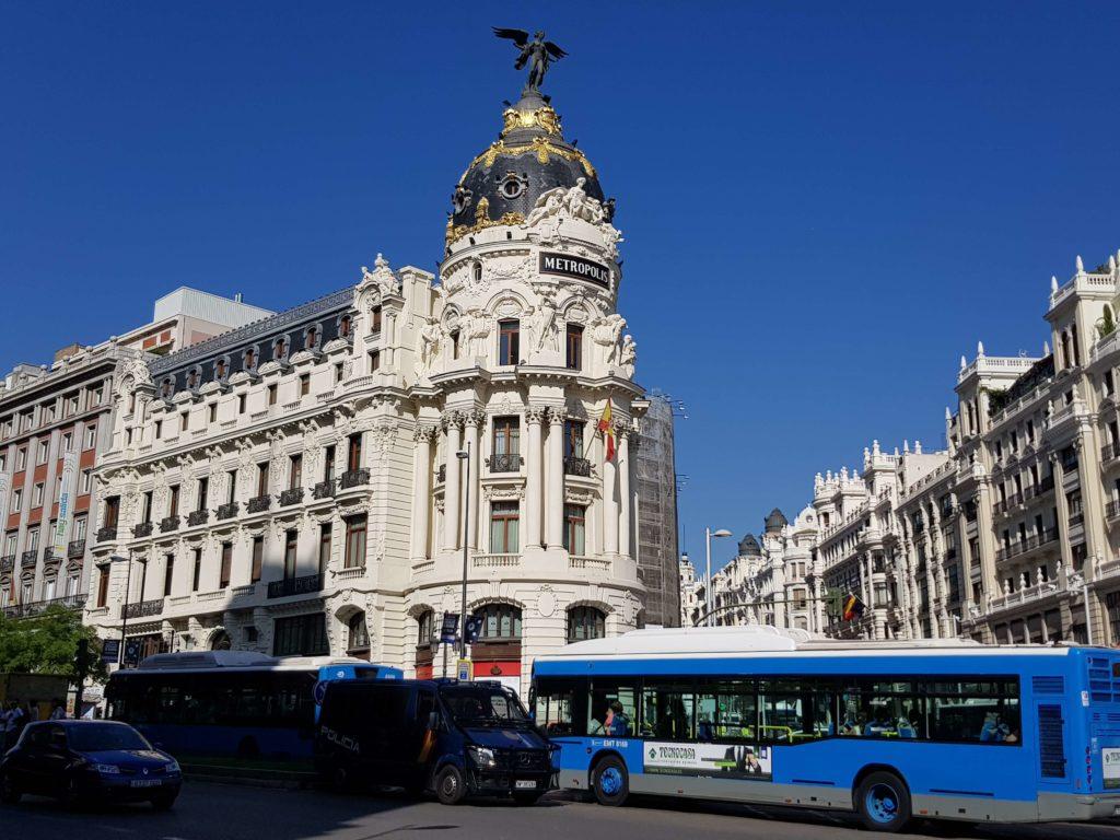 Gran Vía, un día en Madrid, España