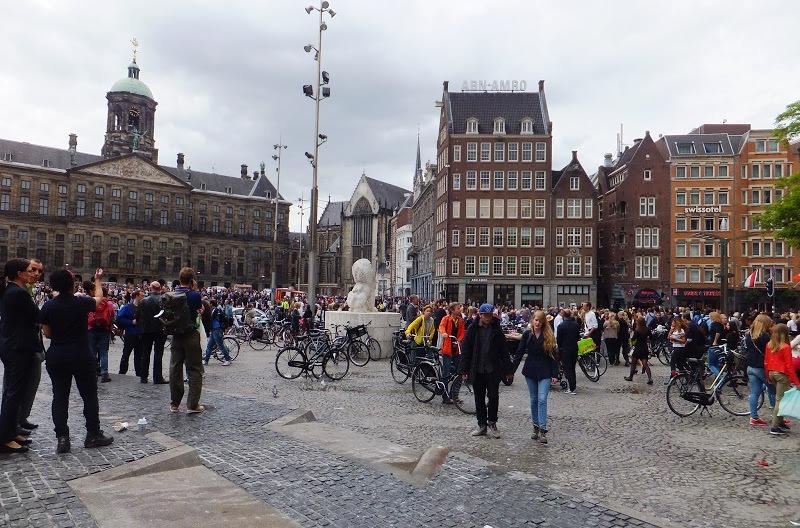 Lee más sobre el artículo Breve paseo por el distrito histórico de Amsterdam