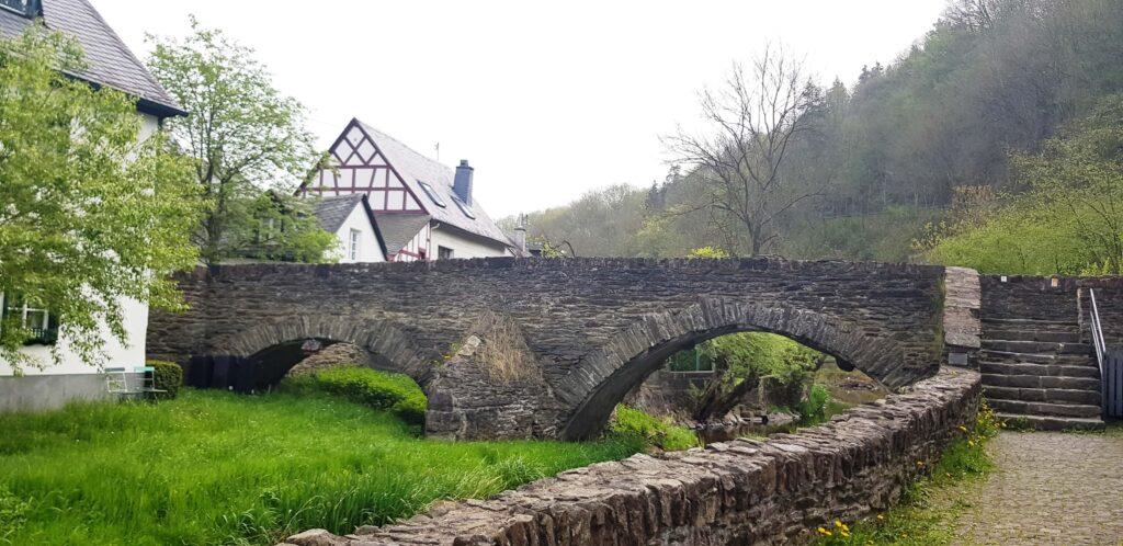 Puente de piedra, Monreal, Alemania, Germany
